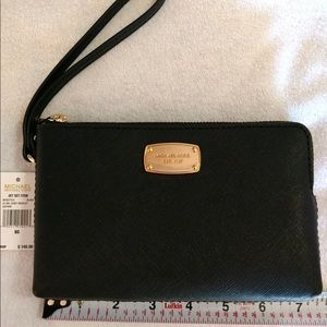 New with Tags Michael Kors Leather wristlet
